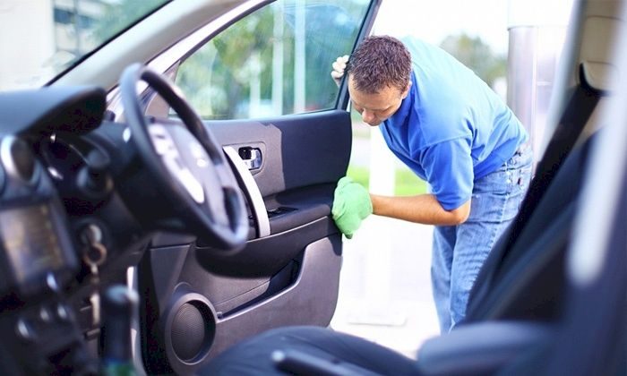 Mẹo làm sạch và khử trùng xe ô tô hiệu quả